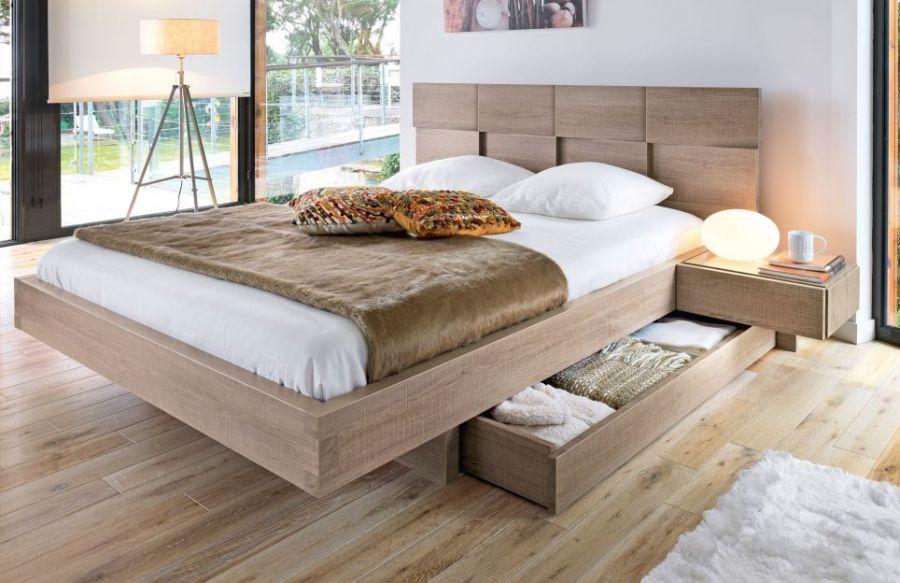 Кровать  из дерева встроенная